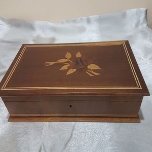 ⭐Vintage⭐Wooden Jewlery Box